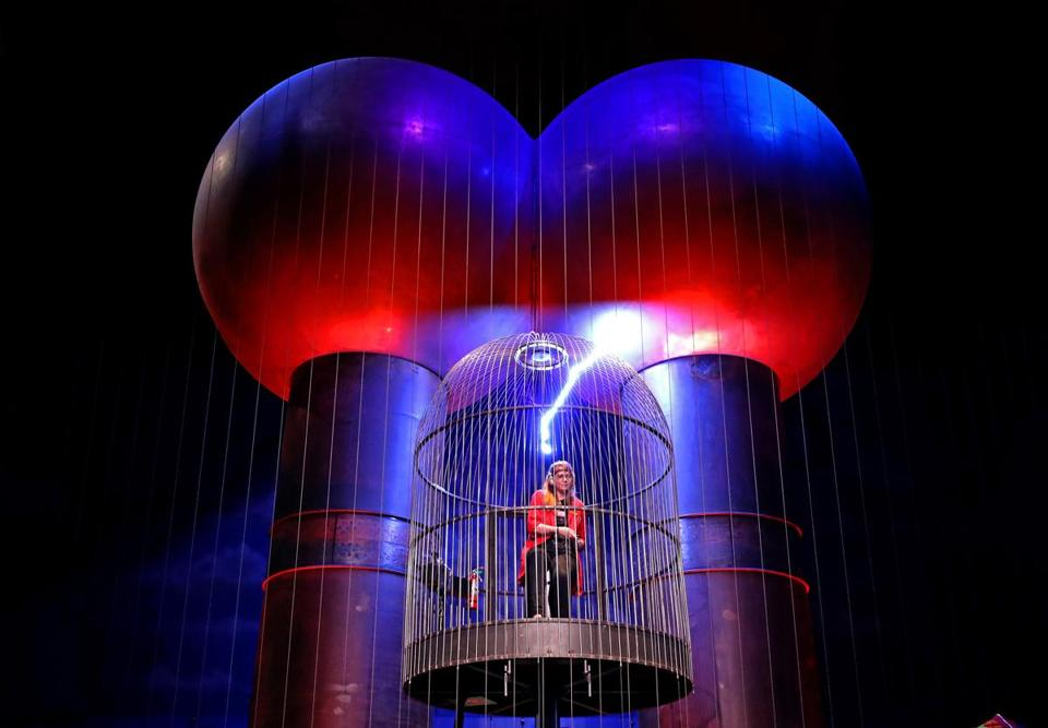 BOSTON, MA - 10/02/2017: Sarah Weiner an education associate at the Museum of Scinece with a Van de Graaff generator in the Museum of Science. MUSEUM VIEWS, the aesthetics of placing art in museums (David L Ryan/Globe Staff ) SECTION: ARTS TOPIC 15views