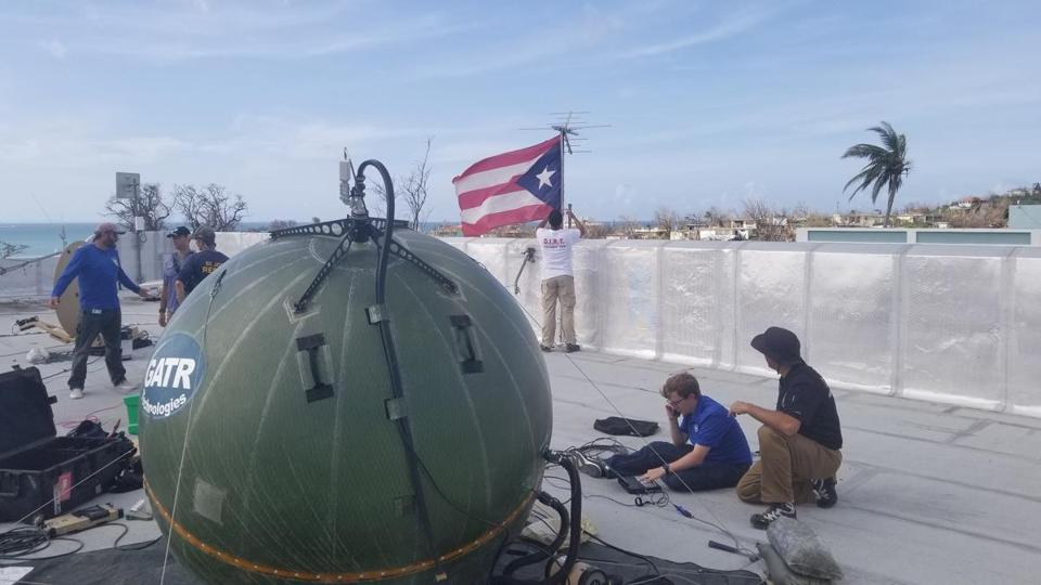 Technology from Lexington-based Vanu Inc. is part of an effort to restore cell service in Puerto Rico.
