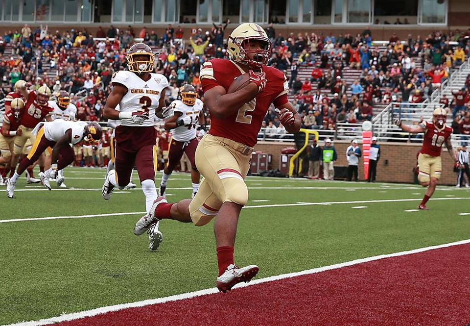 Boston MA 9/30/17 Boston College Eagles AJ Dillon scores a 14 yerd rushing touchdown against Central Michigan Chippewas during first half action at Alumni Stadium. (Matthew J. Lee/Globe staff) Topic: BC pics Reporter: Julian Benbow