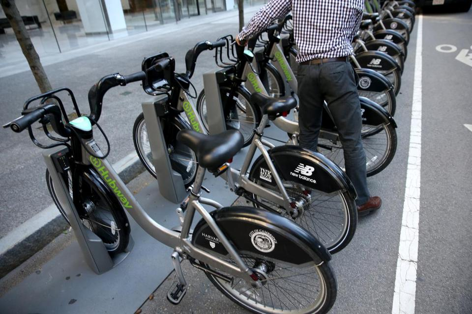 Hubway boasts 1,800 bikes and 185 stations in four municipalities in Greater Boston.