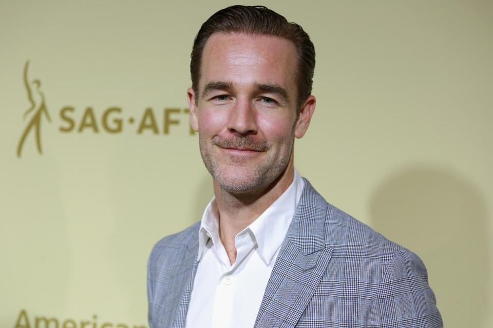 BEVERLY HILLS, CA - SEPTEMBER 14: James Van Der Beek attends The Hollywood Reporter and SAG-AFTRA Inaugural Emmy Nominees Night presented by American Airlines, Breguet, and Dacor at the Waldorf Astoria Beverly Hills on September 14, 2017 in Beverly Hills, California. (Photo by Rich Fury/Getty Images for THR)