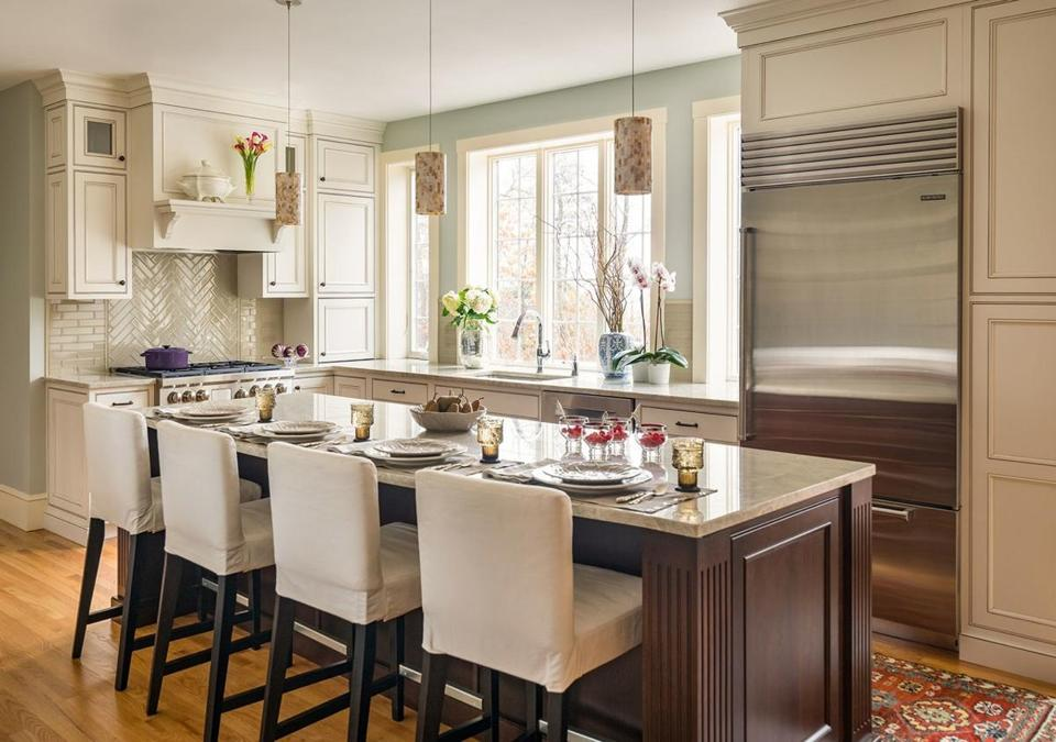 22noinformer - A kitchen in Boxford designed by Heartwood Kitchens. (Eric Roth)