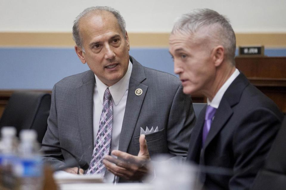 Representative Tom Marino (left) spoke with Representative Trey Gowdy in November, 2015.