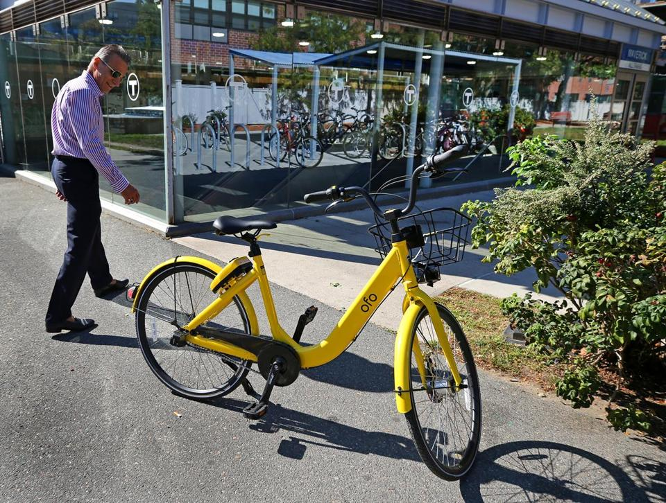 felice gammella looked at the ofo bike at a t stop in east boston by - Fertig Seecontainerhuser Seattle