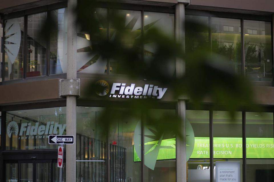A sign marks a Fidelity Investments office in Boston, Massachusetts, U.S. September 21, 2016. To match Special Report USA-FIDELITY/FAMILY REUTERS/Brian Snyder