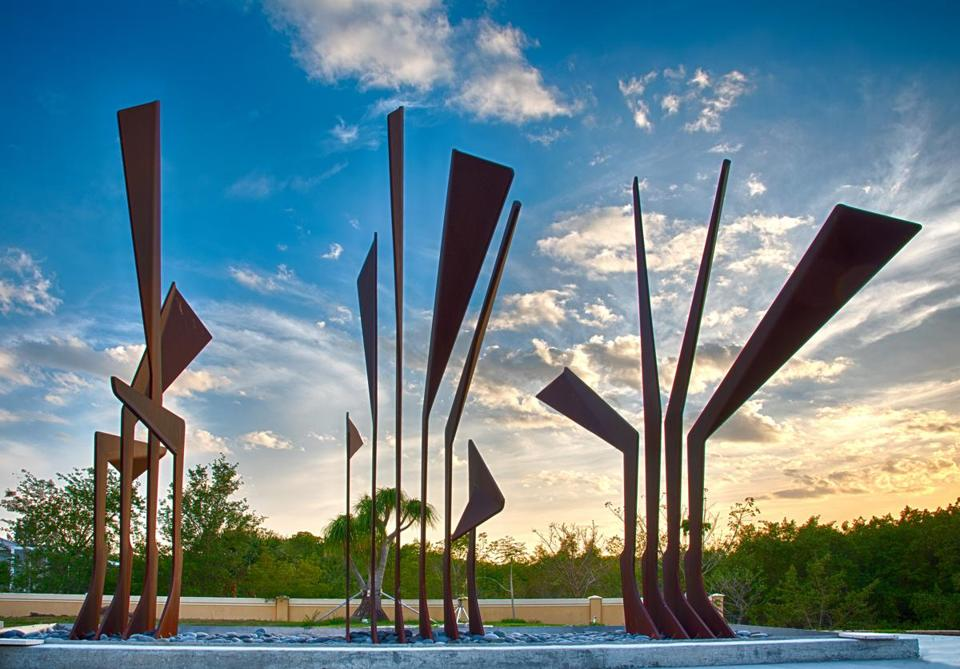"""Steel Palm,"" by Boston sculptor Jacob Kulin, at Peace River Botanical & Sculpture Gardens in Punta Gorda, Fla."