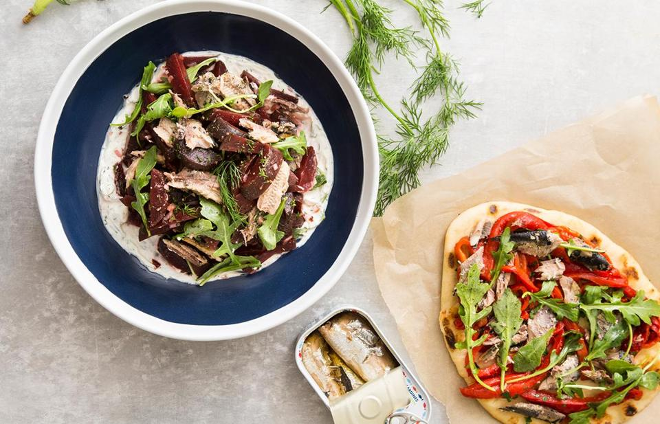Recipes sardines are trendy here s how to turn them into for Sardine lunch ideas