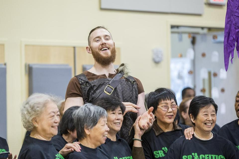 Aron Baynes and residents of the Roxbury Tenants of Harvard Community Center took part in a wellness event sponsored by the Celtics and New England Baptist Hospital.