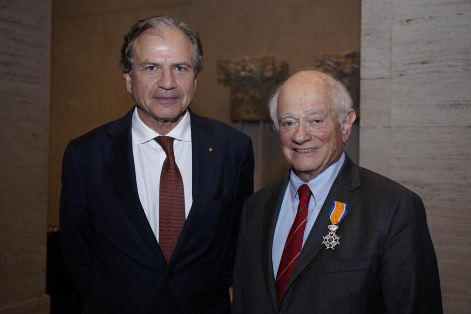 George Abrams (right) with Netherlands Consul General Dolph Hogewoning at a dinner honoring Abrams.