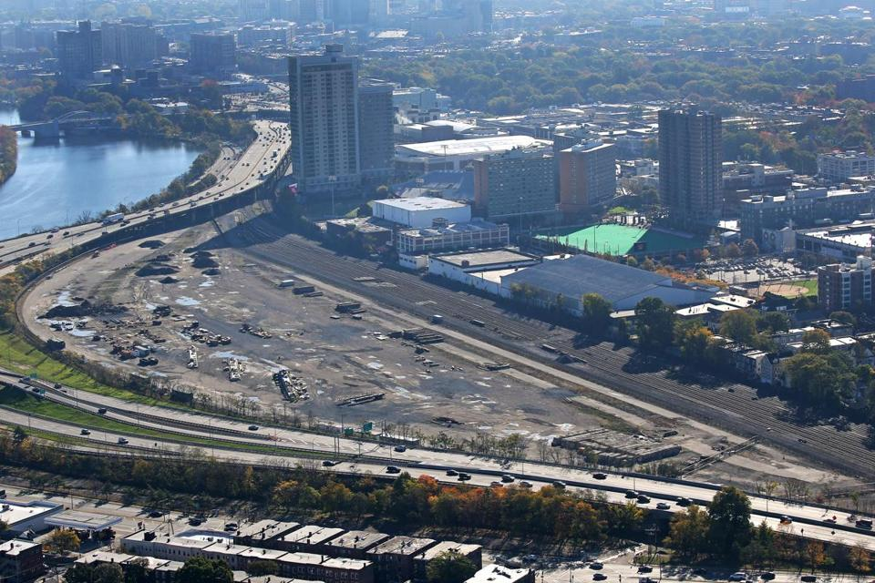 BOSTON, MA - 10/28/2017:A view of Mass Turnpike at Allston and former train yards aerial (David L Ryan/Globe Staff ) SECTION: TOPIC