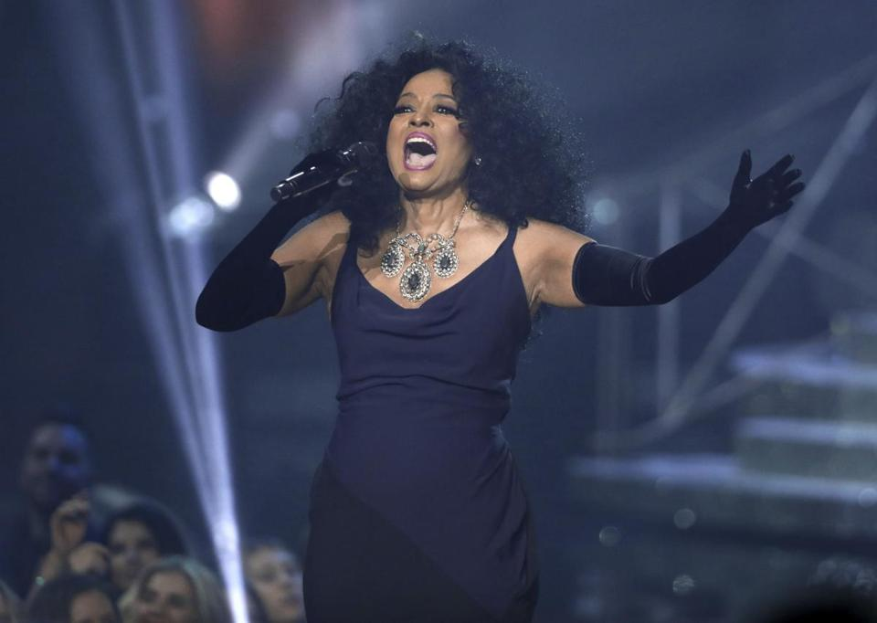 Diana Ross performed Sunday at the American Music Awards.