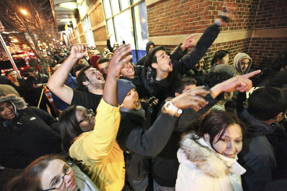 Customers waited in line outside Best Buy at the Cambridgeside Galleria on Thanksgiving night in 2011.