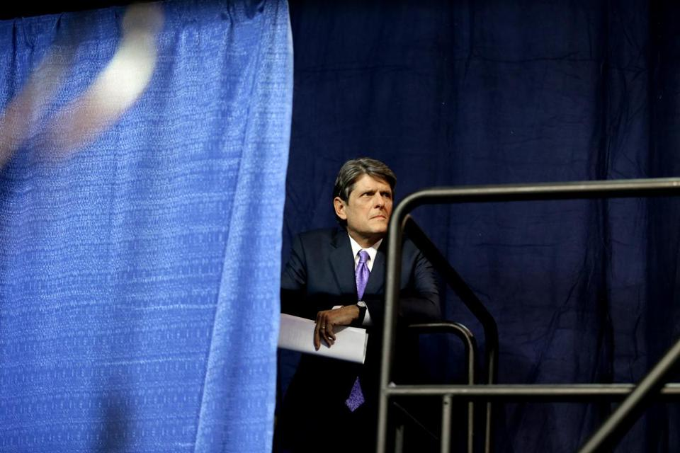06/03/2017 Worcester Ma- Massachusetts Gubernatorial candidate Bob Massie (cq) speaking at the Massachusetts Democratic Convention. Globe Staff\Photograph Jonathan Wiggs Reporter:Topic