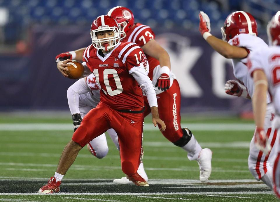 Foxborough-12/1/17- Division 3 superbowl- North Attleboough vs St. John's of Shrewsbury . St. John's qb Steven Bucciaglika runs for a long 2nd qtr gain. John Tlumacki/Globe Staff(sports)