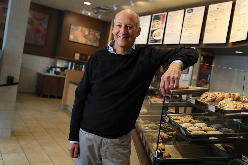 Ron Shaich, the Panera chain's founder, will step down as chief executive on Jan. 1.