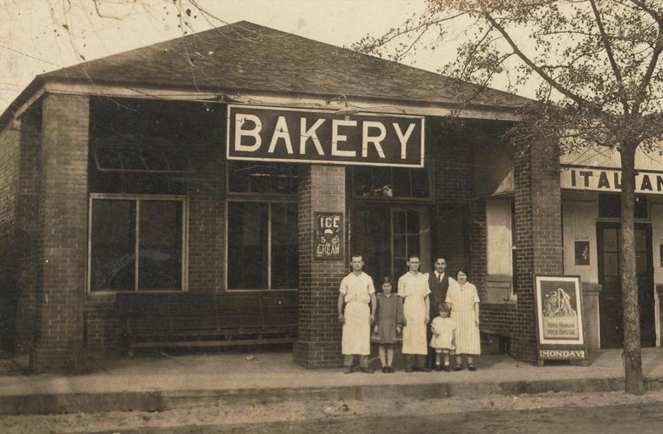 The Claxton Bakery in 1920.