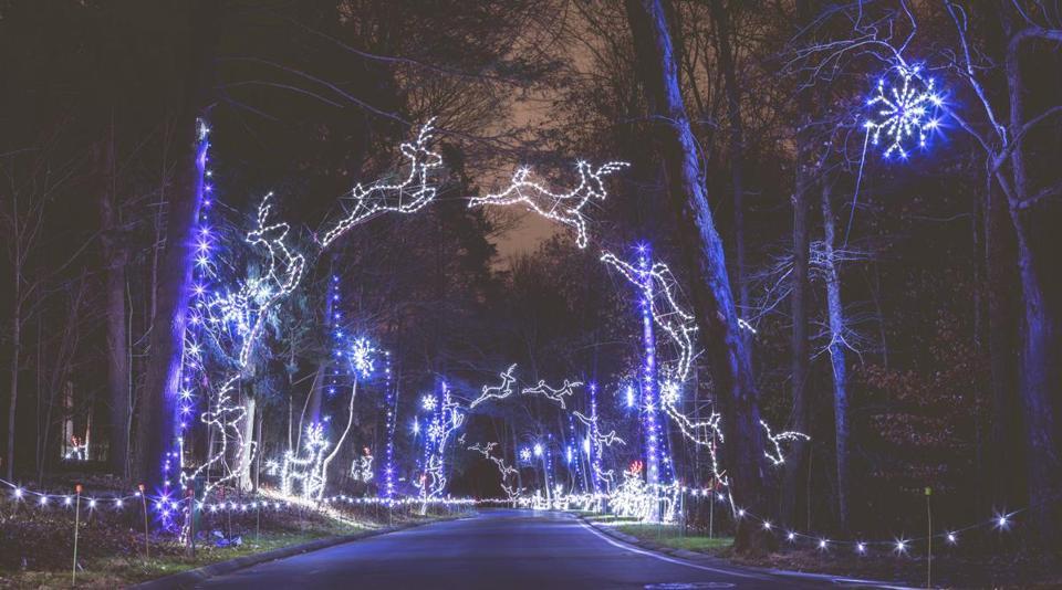 7 holiday light shows that make the season sparkle - The Boston Globe