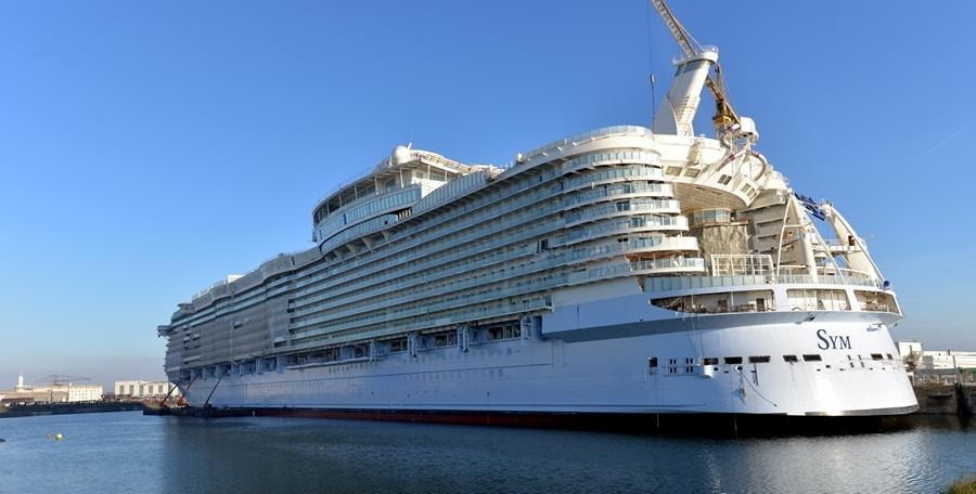 Race Tracks And Drones That Dive Are Coming To Cruise Ships In - How many cruise ships are there