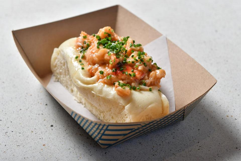 Brown butter lobster roll at Eventide, a new Fenway seafood restaurant. Josh Reynolds for The Boston Globe (Lifestyle, first)
