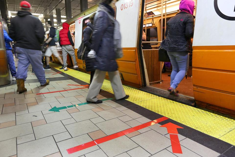 A Jamaica Plain man is so frustrated with the Orange Line that he's challenged Governor Charlie Baker and other elected officials to endure the same commute as other public transit riders.