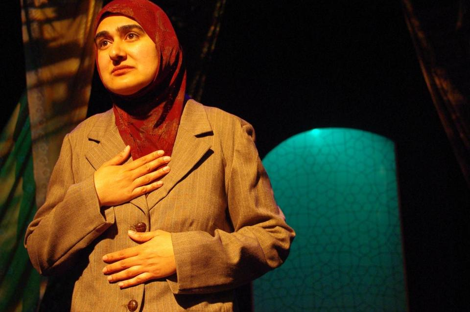 "In Rohina Malik's solo performance ""Unveiled,"" five Muslim women tell about facing incidents of bigotry and hate."