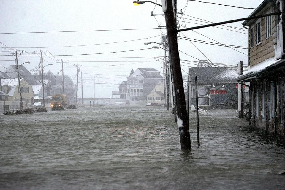 Why tonight's high tide in Mass. won't prompt historic ...