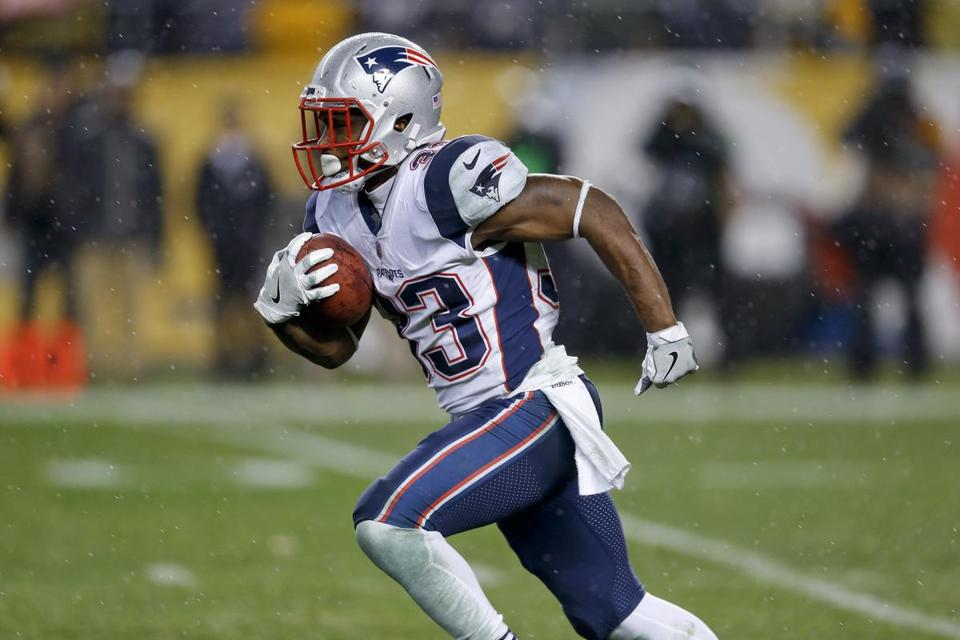 Dion Lewis averaged 24.8 yards per kickoff return in the regular season.