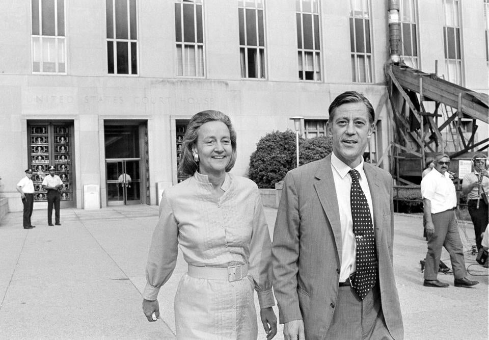 Washington Post publisher Katharine Graham and executive editor Ben Bradlee left US District Court in 1971, as the paper fought to publish the Pentagon Papers.