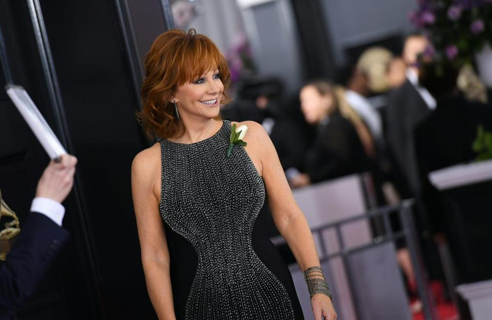 Reba McEntire arrives for the 60th Grammy Awards on January 28, 2018, in New York. / AFP PHOTO / ANGELA WEISSANGELA WEISS/AFP/Getty Images