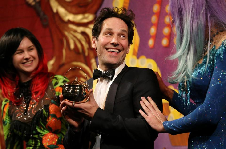 Actor Paul Rudd received his Pudding Pot at Harvard University Friday night.
