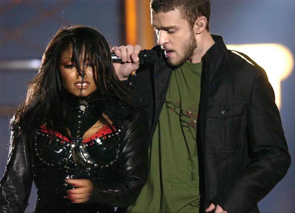 "FILE - In this Feb. 1, 2004 file photo, singers Justin Timberlake and Janet Jackson are seen during their performance prior to a wardrobe malfunction during the half time performance at Super Bowl XXXVIII in Houston. Timberlake says he has made up with Janet Jackson following the infamous ""wardrobe malfunction"" at the Super Bowl in 2004. The singer, who is preparing for the release of his fourth solo album, says he and Jackson have talked privately about the incident. (AP Photo/David Phillip, File)"