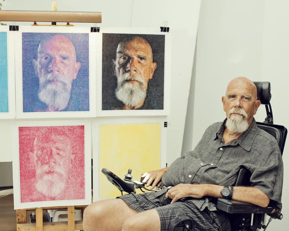 The National Gallery of Art in Washington has canceled a Chuck Close exhibition because of accusations of sexual misconduct that have engulfed the artist in controversy.