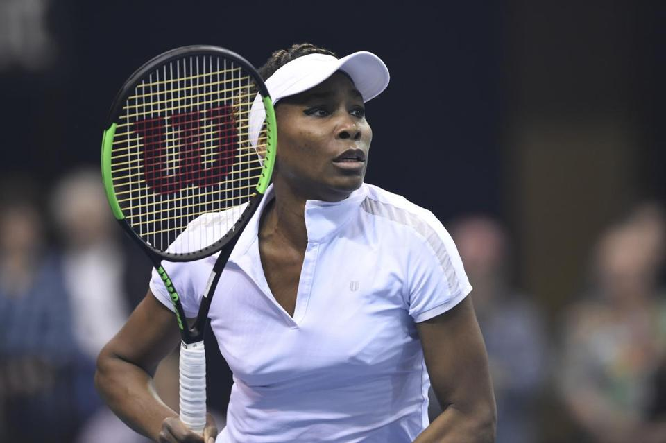Venus Williams celebrated her 1,000th career singles match by giving the United States the lead in its Fed Cup series.