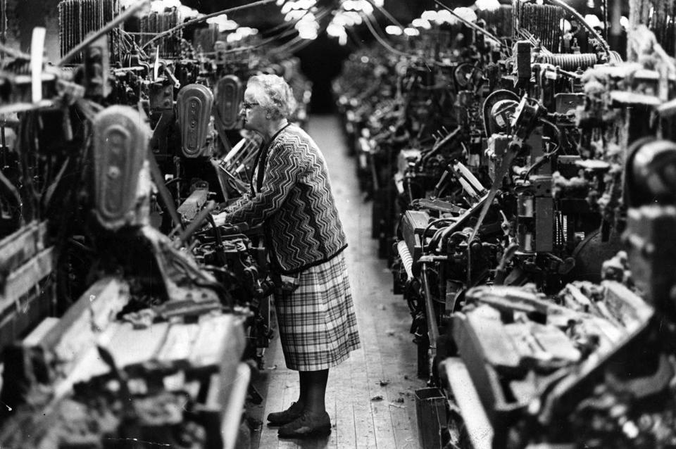 Lowell, MA - 10/7/1980: Victoria Wyderka, 75, has been working at Wannalancit Mills, a cotton mill in Lowell, Mass., for over 40 years, Oct. 7, 1980. (David L. Ryan/Globe Staff) --- BGPA Reference: 170309_EF_019