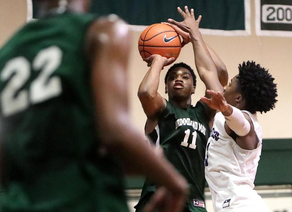 Chestnut Hill, MA - 2/23/2018 - Future Providence College teammates David Duke of Cushing Academy, (3), and AJ Reeves , (11), of Brimmer & May. Cushing Academy at Brimmer & May Boys Basketball. - (Barry Chin/Globe Staff), Section: Sports, Reporter: Nathaniel Weitzer, Topic: 24schbrimmer, LOID: 8.4.1082331538.
