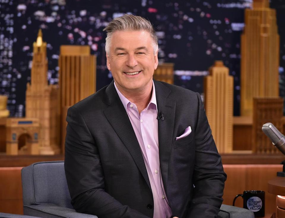 Alec Baldwin will chat with Kate McKinnon and Jerry Seinfeld this Sunday night.
