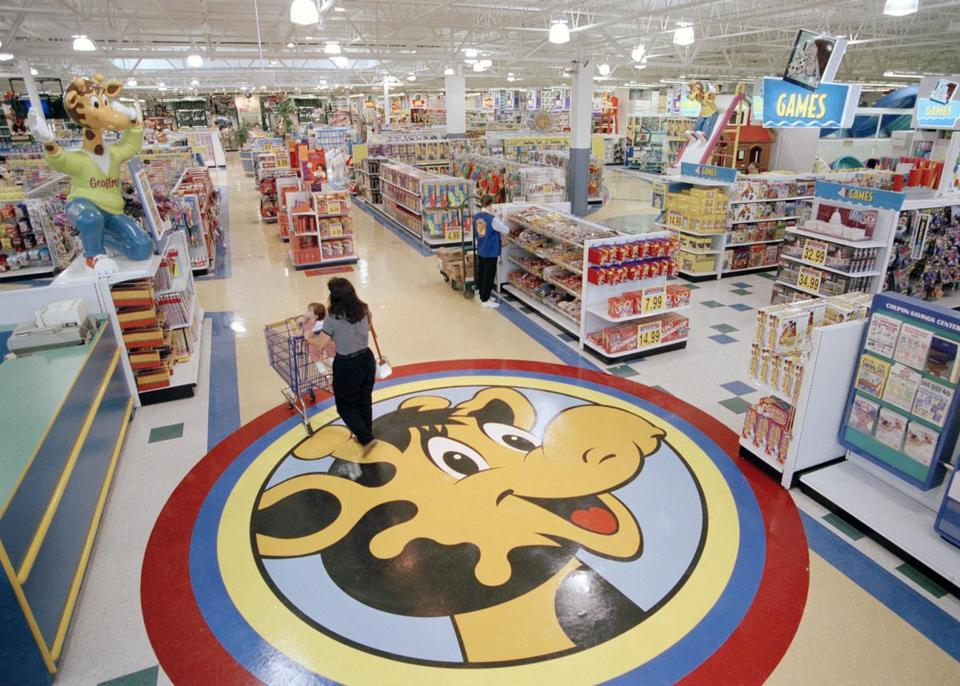 Toys R Us Is Shutting Down Because Parents Don T Want To Shop