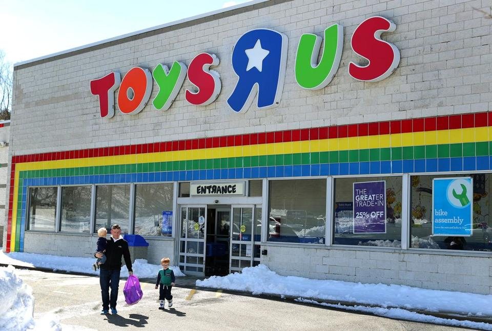 Top Toys At Toys R Us : Toys 'r us closing how it became the island of misfit