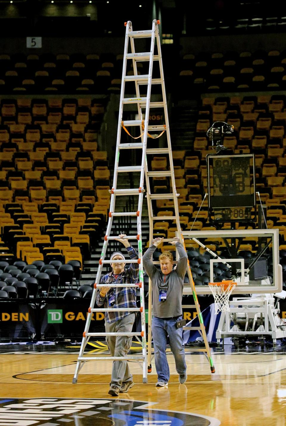 Here\'s a look at the NCAA Tournament court at TD Garden - The Boston ...