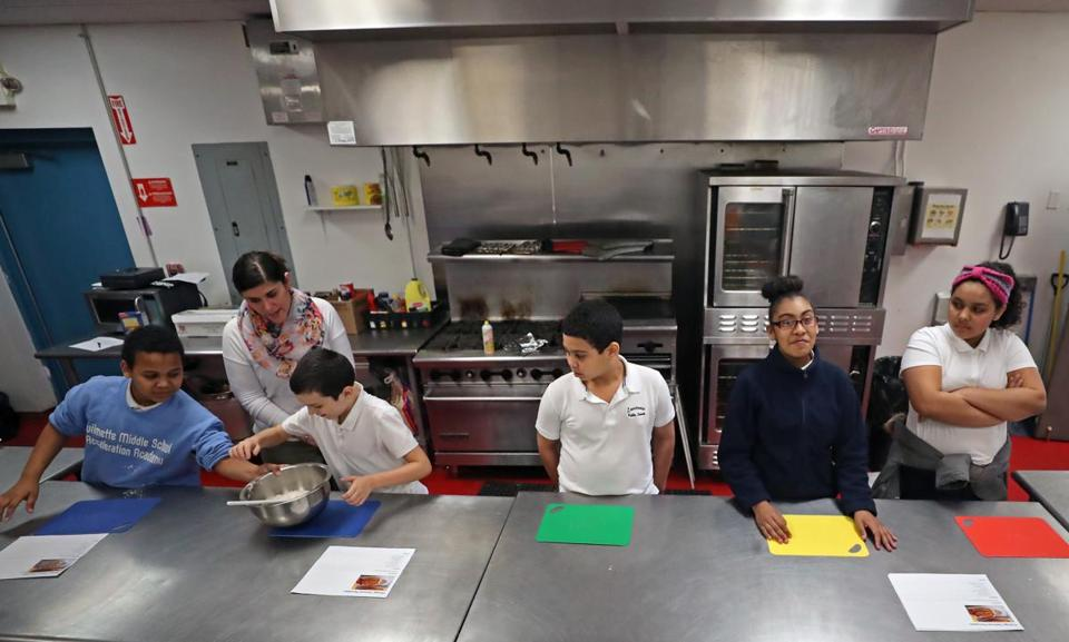 LAWRENCE, MA - 3/28/2018: Teaching kids to eat healthfully, fifth and sixth graders from the Guilmette Middle School in Lawrence attending a nutrition and cooking class, sponsored by Groundwork Lawrence at Lawrence Boys and Girls Club. (David L Ryan/Globe Staff ) SECTION: REGIONAL TOPIC 15onutritionnorth