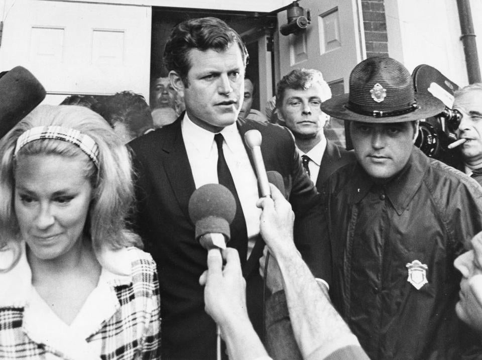 July 25 1969 /Globe Photo / Ted Dully / Kopechne case / Ted Kennedy / Teddy Kennedy / edwardmkennedy / Senator Kennedy / Mary Jo Kopechne / Chappaquiddick / Senator Edward Kennedy and his wife Joan leaving the courthouse during the Mary Jo Kopechne case. /