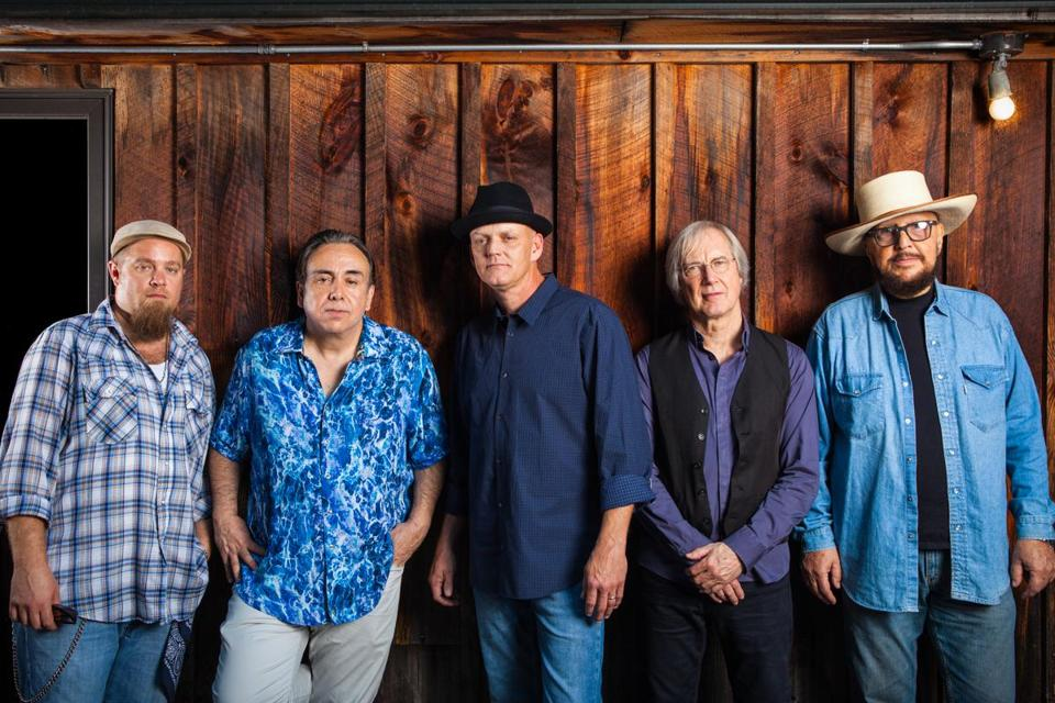 The Weight Band features members of the Band, the Levon Helm Band, the Rick Danko Group, and the Midnight Ramble Band.