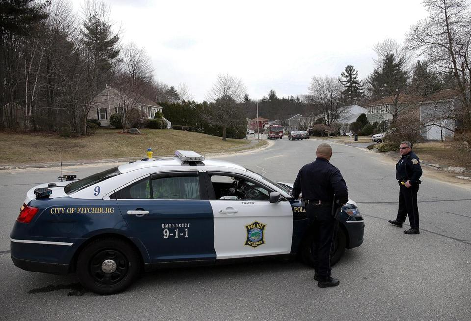 "Fitchburg, MA - 4/10/2018 - Fitchburg police block off a portion of Stoneybrook Road at an active crime scene investigation involving a ""suspicious death"" at number 139. - (Barry Chin/Globe Staff), Section: Metro, Reporter: Emily Sweeney, Topic: 11Fitchburg Death, LOID: 8.3.2998834641."