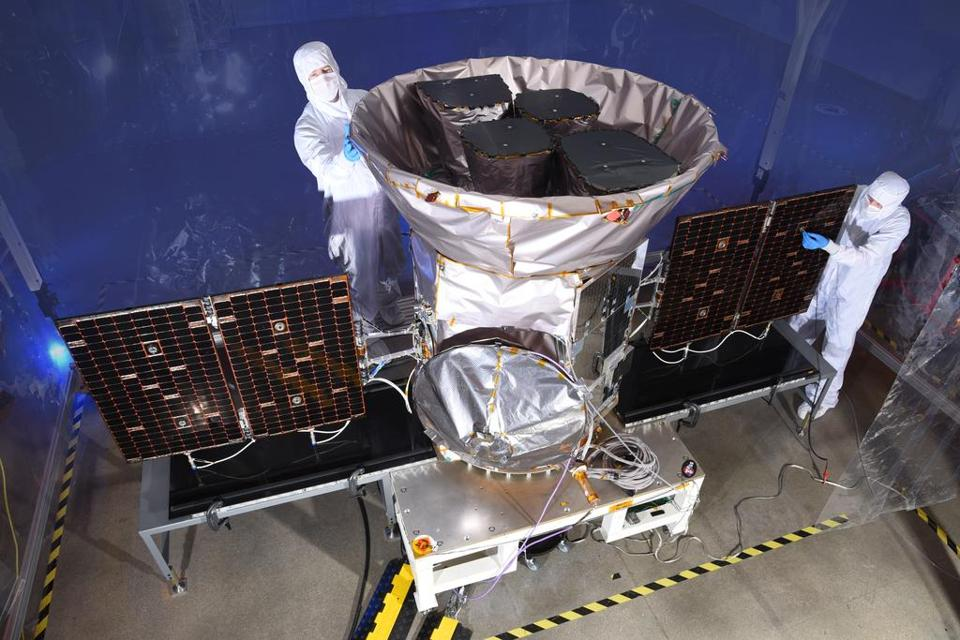 NASA-funded satellite TESS is ready to launch Monday, planning to capture thousands of images of planets outside our solar system.