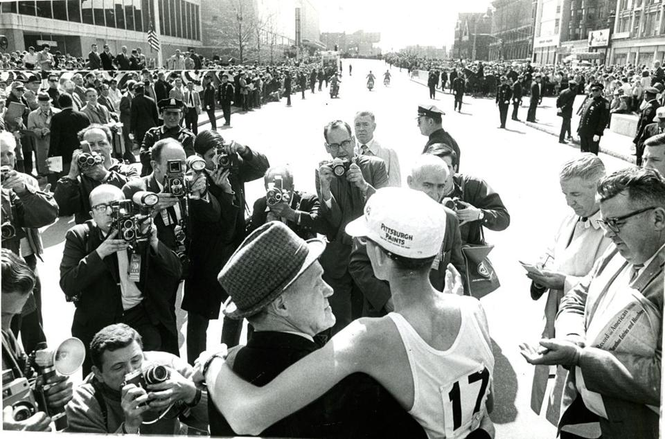 Amby Burfoot (right) and Jock Semple at the finish line in 1968.