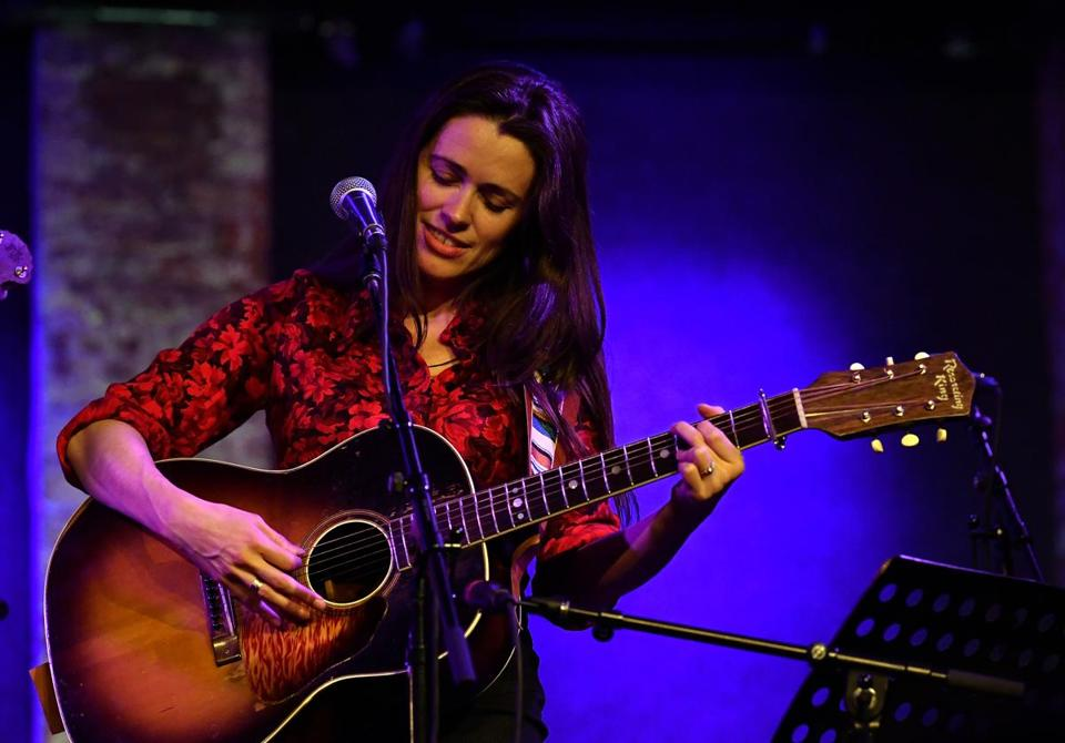 NEW YORK, NY - JANUARY 27: Caitlin Canty performs at Americanafest Pre-Grammy Salute to Emmylou Harris at City Winery on January 27, 2018 in New York City. (Photo by Slaven Vlasic/Getty Images) 22ticketfolk