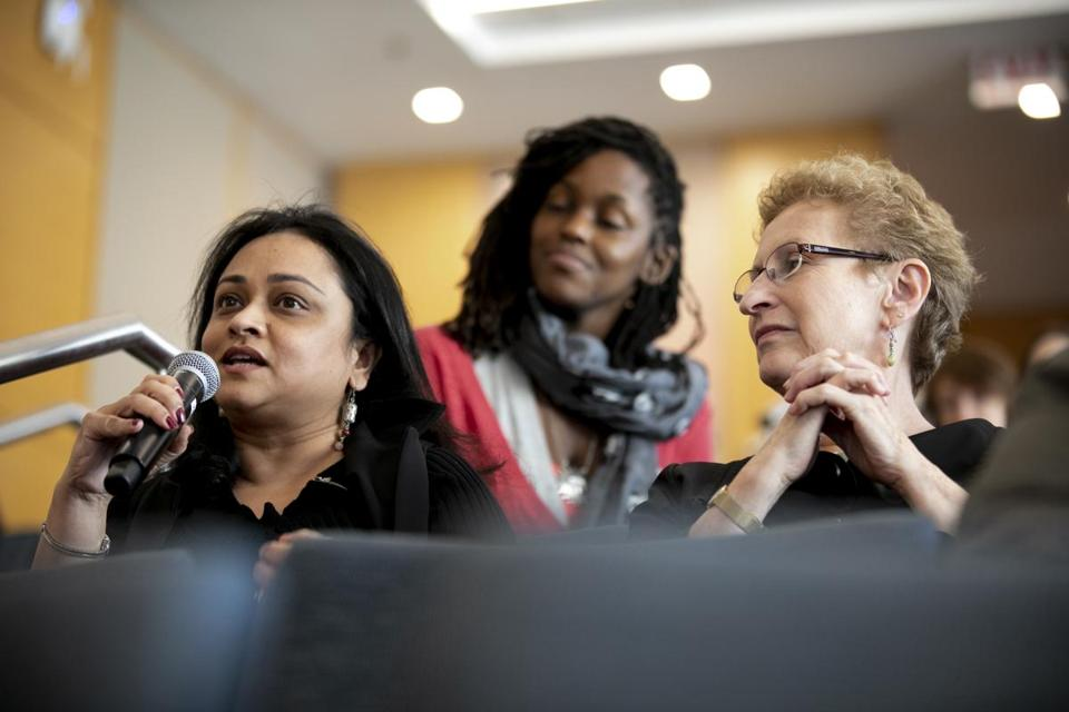 LOID: 8.4.1687094744 Item Name: 30futureexecs(2) Content Folder: Business Asking a question is Urmi Samadar, of MIT, from left, Terelle Brown, volunteer, and Laura Koller of MIT at Daena Giardella's MIT Sloan sexual harassment workshop, training future business leaders on how to deal with/prevent sexual harassment, especially as more women get MBAs. Rose Lincoln for the Boston Globe