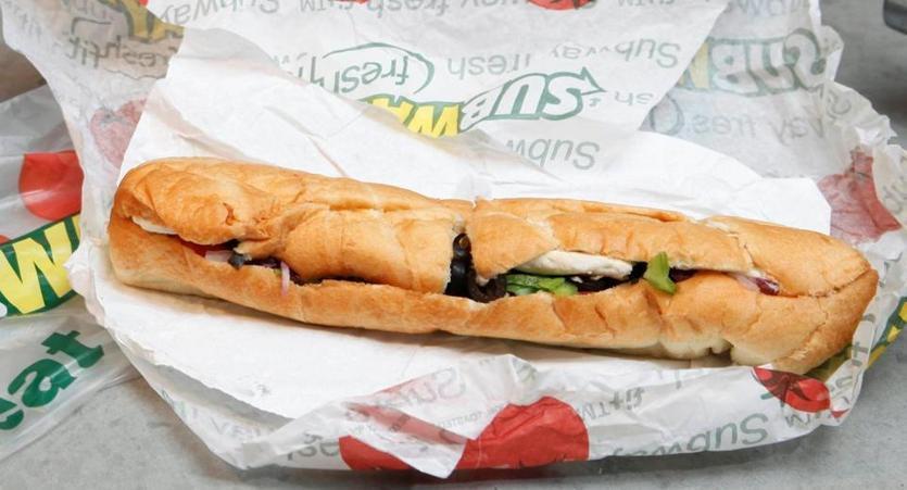 subway sandwich chain plans 500 us store closings amid. Black Bedroom Furniture Sets. Home Design Ideas