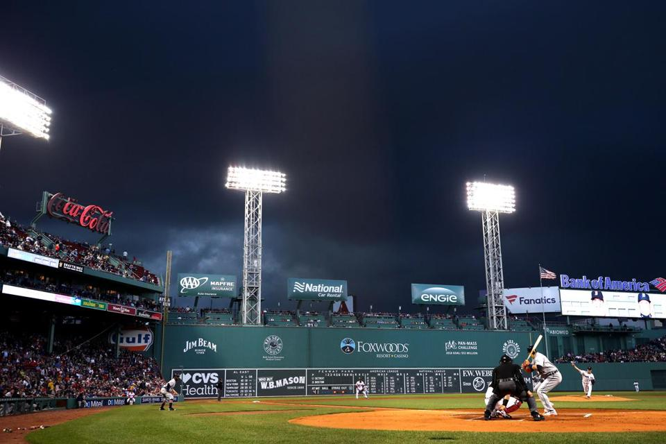 BOSTON, MA - June 5: Steven Wright #35 of the Boston Red Sox pitches against the Detroit Tigers during the second inning at Fenway Park on June 5, 2018 in Boston, Massachusetts. (Photo by Maddie Meyer/Getty Images)