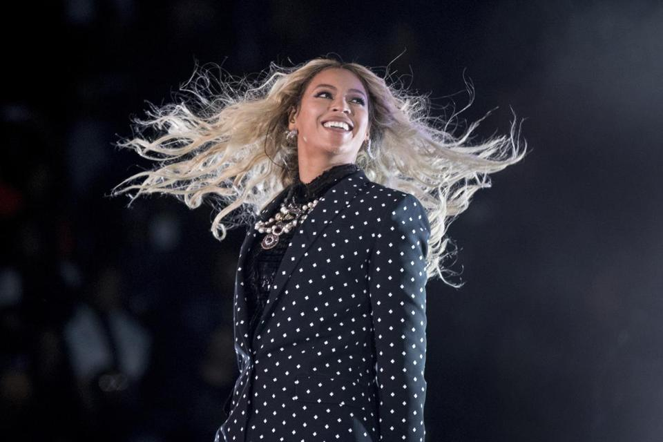 Beyoncé performed at a Get Out the Vote concert in Cleveland Saturday.